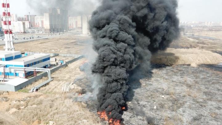 Выжженная земля: масштабный пожар на северо-западе Челябинска сняли с квадрокоптера