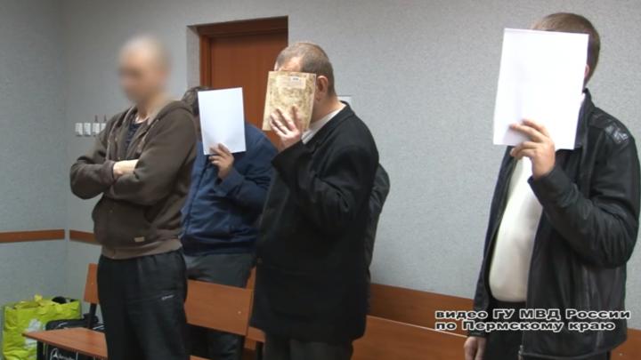 Ущерб на 25 миллионов рублей: в Перми осудили банду черных риелторов