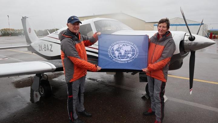 Пенсионеры из Новой Зеландии, путешествующие по миру на личном самолете, прилетели в Красноярск
