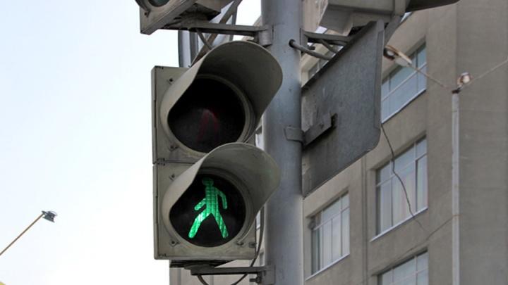 На пересечении Интернациональной и Тарской запланировали установить светофор