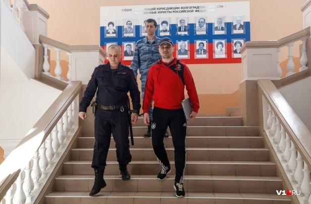 Ждал 40 заседаний: обвиняемый в убийстве Александр Геберт просит спасти от налога на машины
