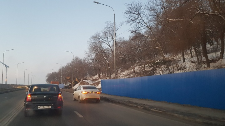 В Волгограде напротив амфитеатра на Центральной набережной строят сети канализации