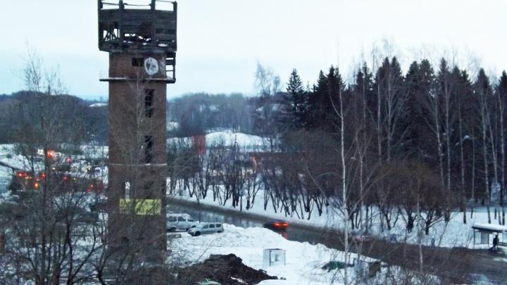 В Перми до конца недели снесут старую водонапорную башню около будущего зоопарка