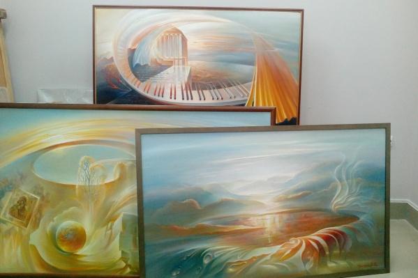 Все три картины займут свое место в музейной коллекции