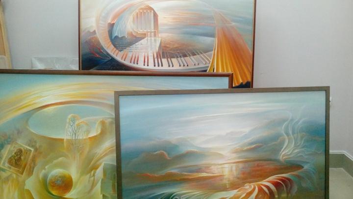 «Так будет надежнее»: художник с мировым именем подарил волгоградскому музею свои картины
