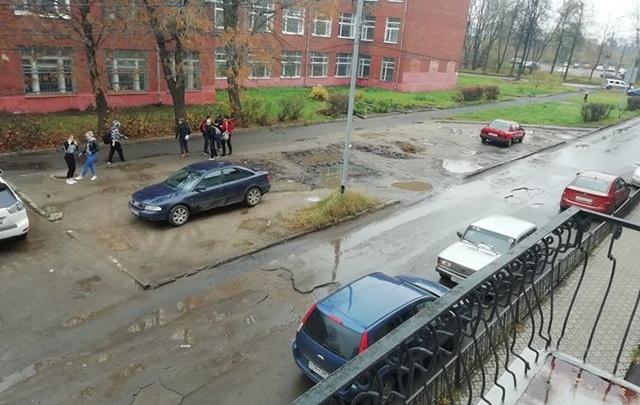Ярославцы несколько лет добиваются ремонта улицы, но власти им отказывают