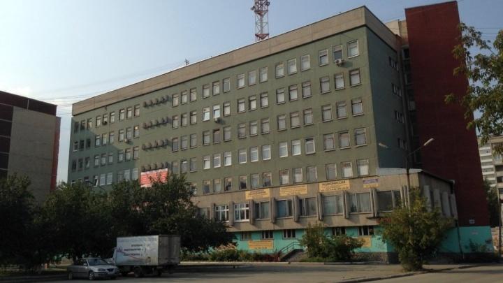 Поликлинику на ЖБИ, где обрушился потолок, капитально отремонтируют