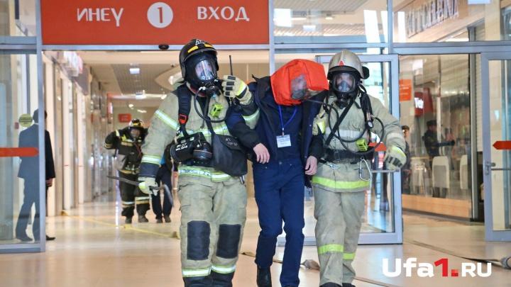 Грубых нарушений нет: в Черниковке проверяют безопасность торговых комплексов