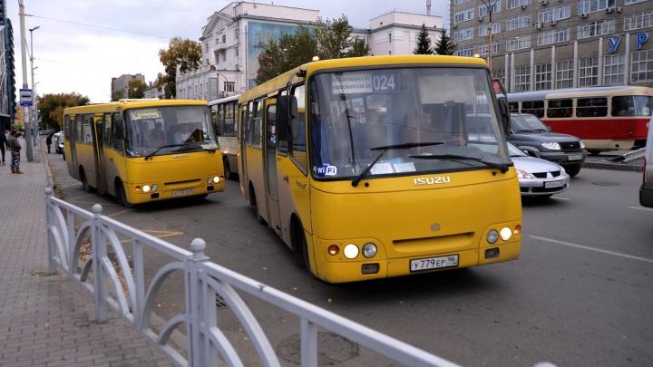 А кто будет водить «Богданы»? ГИБДД запретит без экзамена обменивать иностранные права на российские