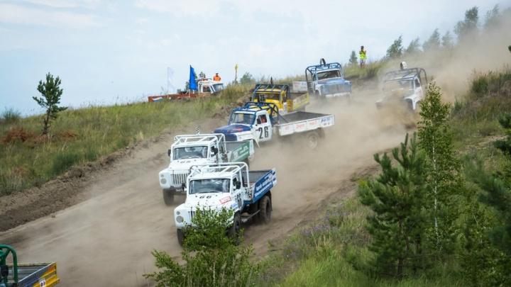 В Зауралье проходят автогонки на Кубок пятикратного победителя ралли «Дакар» Семена Якубова