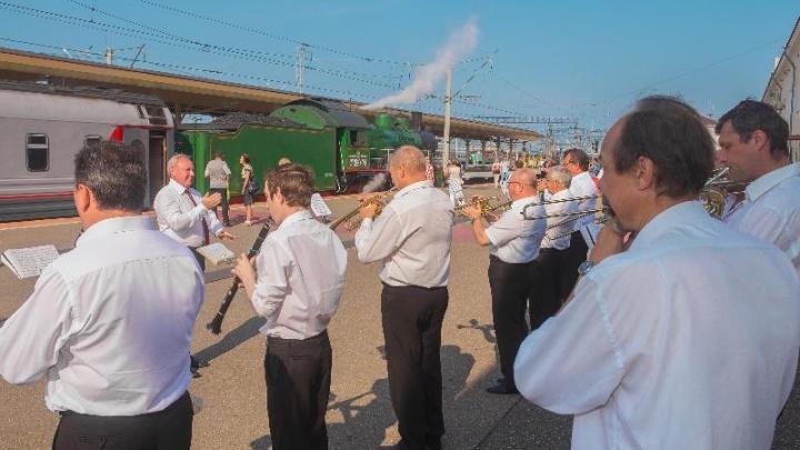 Увидеть раньше всех: видео ретропаровоза, который приедет в Ярославль