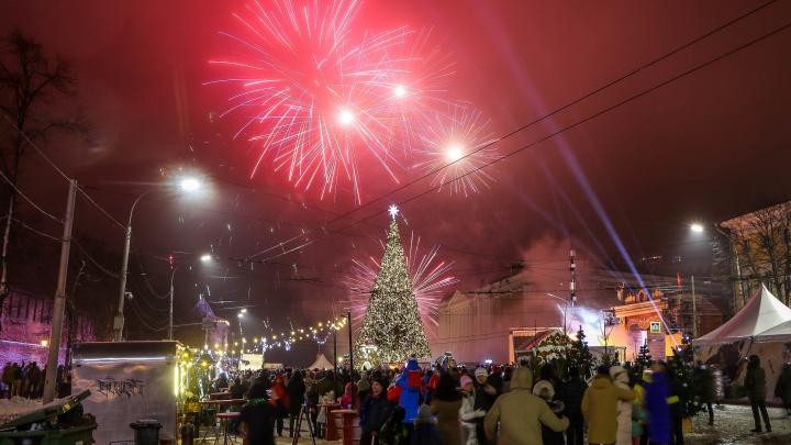 Новогодняя ночь 2020: праздничный фоторепортаж NN.RU с площади Минина