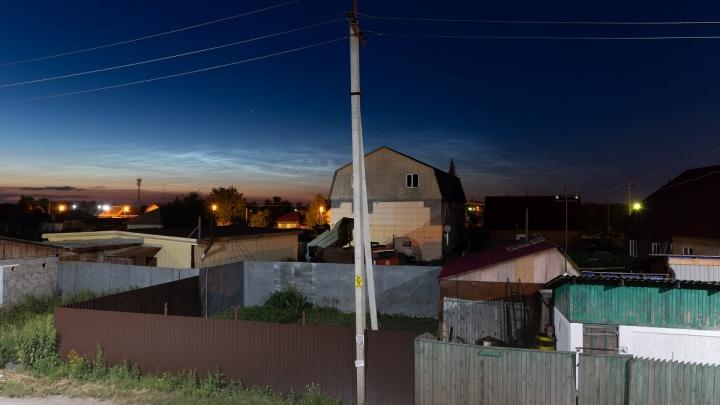 Необычное летнее явление: в Новосибирской области заметили серебристые облака