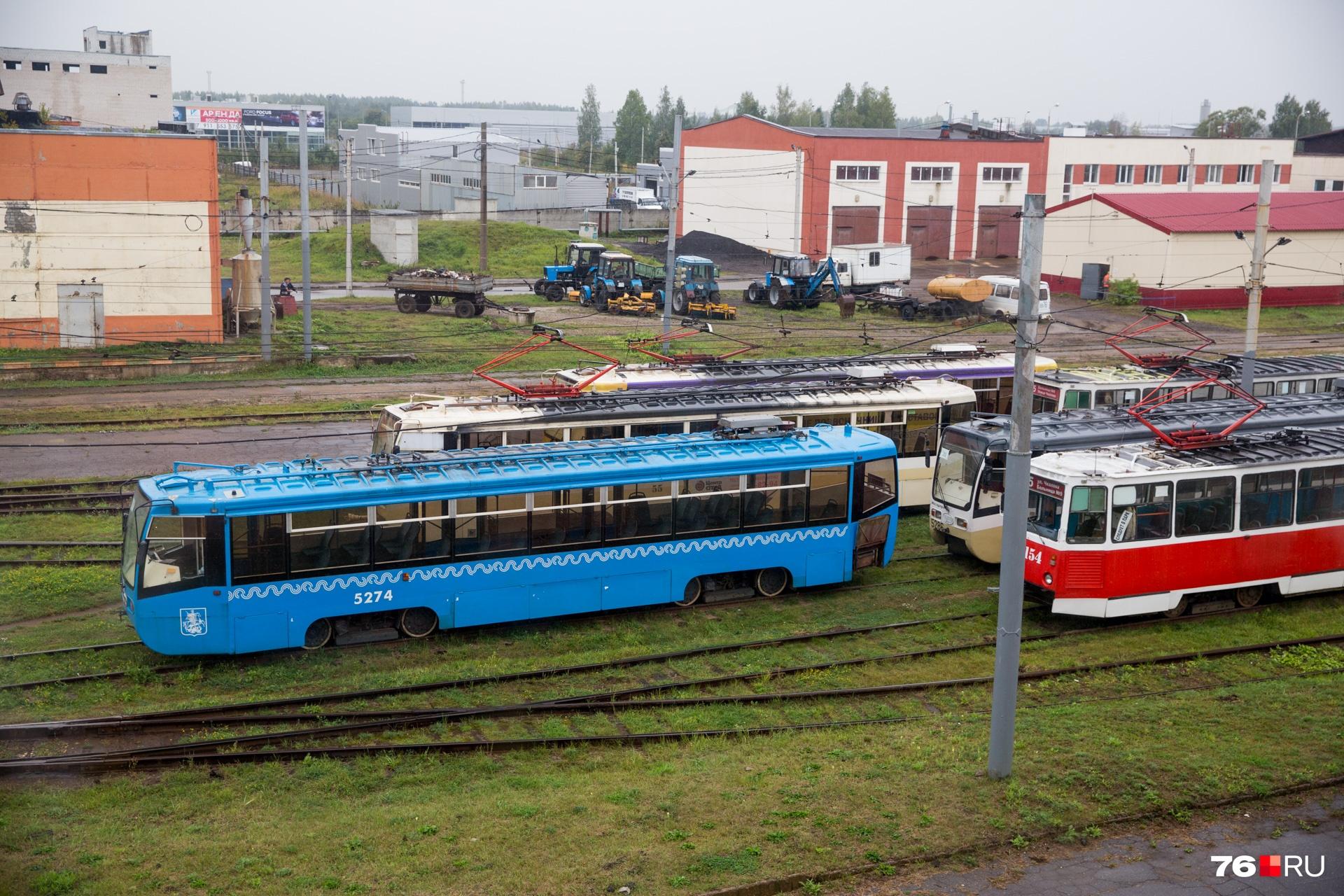 Сейчас московские трамваи простаивают в депо. Когда они начнут работать — неизвестно