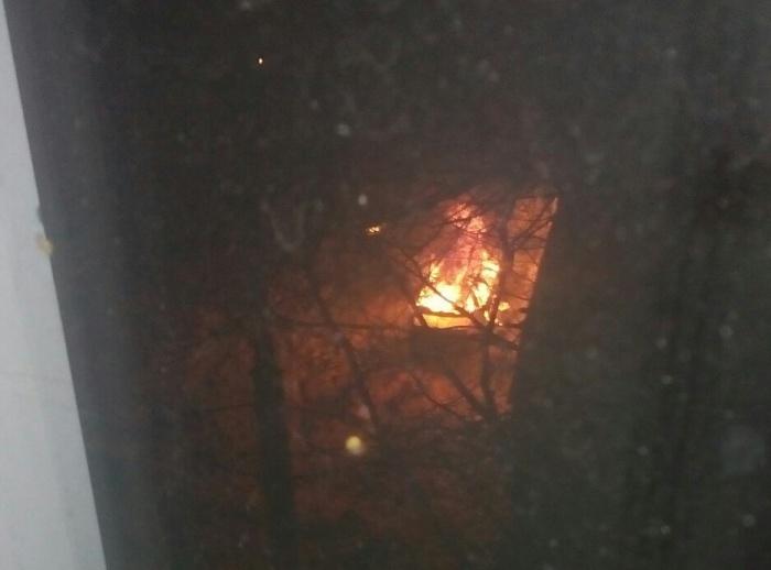 Хозяйка машины успела сфотографировать пожар из окна