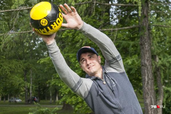 Дмитрий Яшин играет в «Шиннике» с 2013 года
