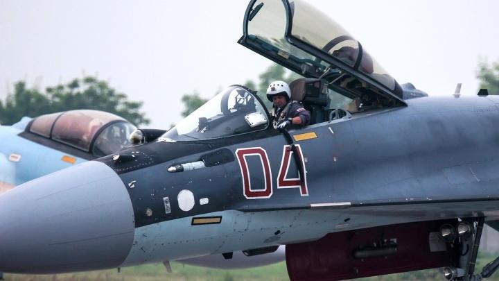 В Новосибирск прилетела пилотажная группа «Соколы России»