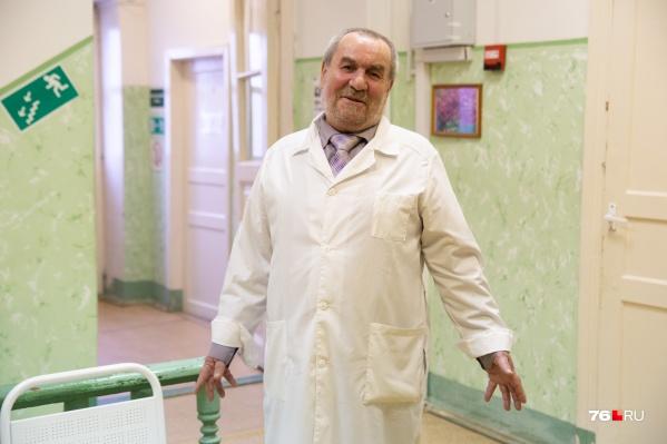 Пациенты ценят Владимира Саныча за отзывчивость и обожают за чувство юмора