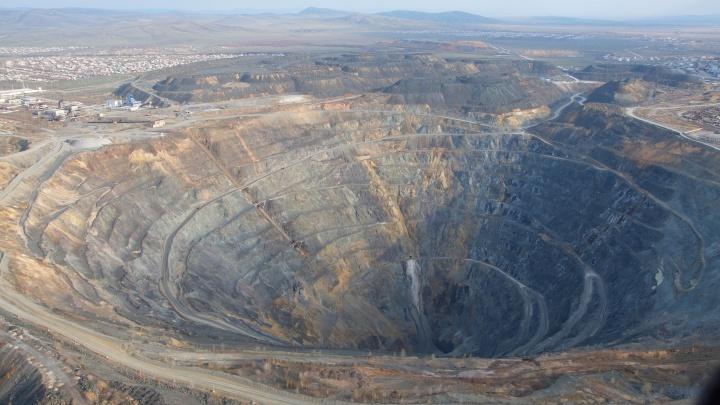Концентрация железа превышена в 10 тысяч раз: опасная вода могла попасть в краны жителей Сибая