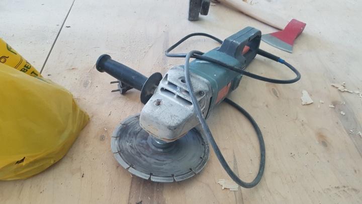 В Варгашах молодой человек украл электроинструменты у бывшего работодателя