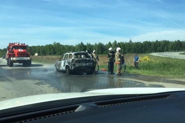 В тушении принимала участие одна пожарная машина