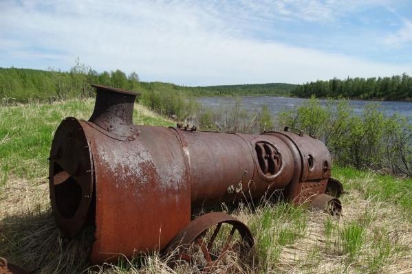 Конструкция похожа напаровой трактор или парогенератор прошлого века