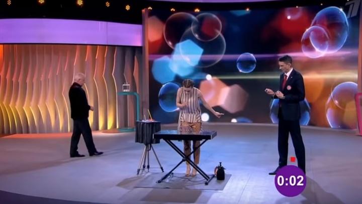 Тюменка поставила новый рекорд России в шоу на Первом канале, надувая мыльные пузыри