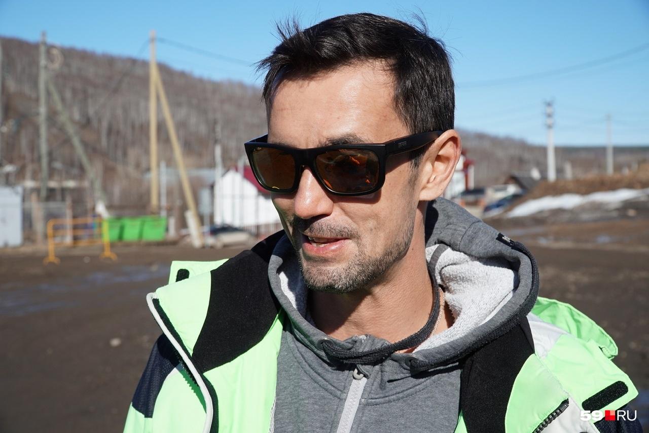 Антон похож на Дмитрия Певцова, не правда ли?