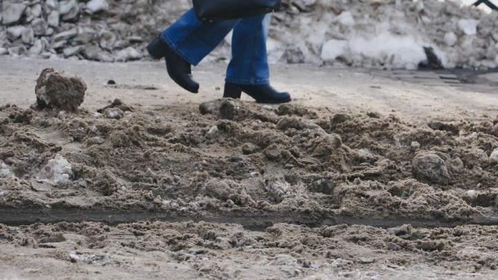 «Лучше не становится»: мэр Челябинска пригрозила главам районов внезапными рейдами по уборке снега