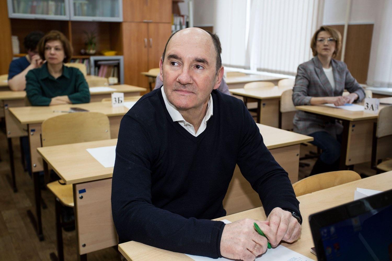 ... и дирижёр Новосибирской филармонииИгорь Тюваев