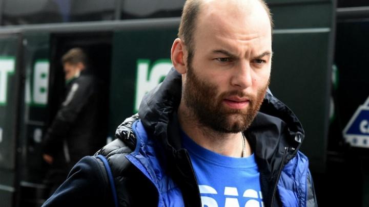 Защитника «Адмирала» дисквалифицировали на 15 игр за нанесение Артёму Пеньковскому травмы