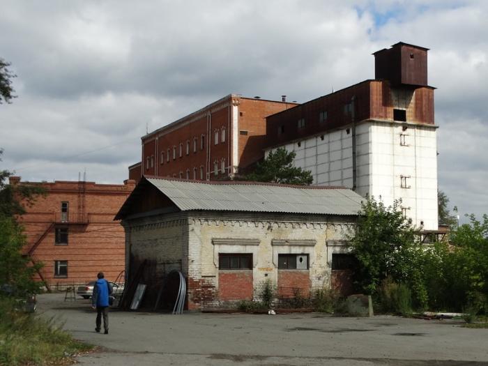 Здание бывшего мельзавода, построенное в позапрошлом веке, неплохо сохранилось