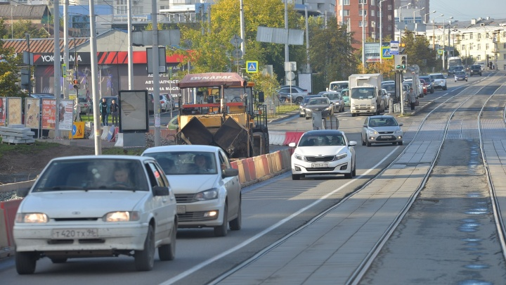 Временный автобус, который запускают из-за закрытия Макаровского моста, начнёт ходить 23 сентября
