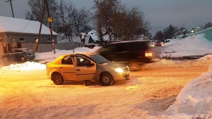 Переходивший дорогу ребёнок попал под машину в шести метрах от «зебры»