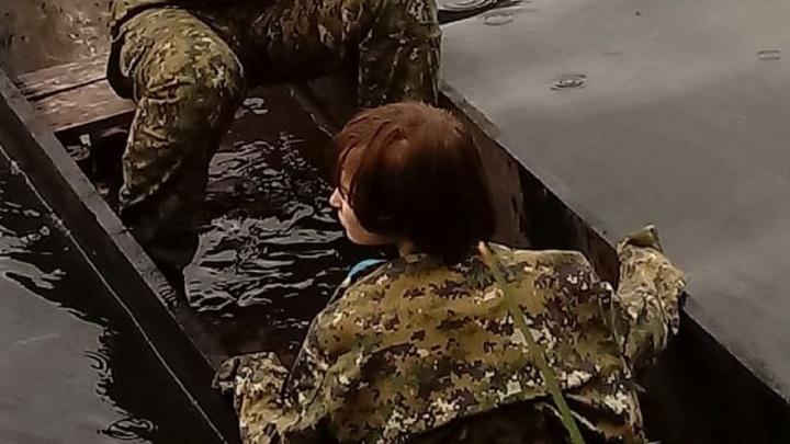 «Пойдем-пойдем, красавица»: смотрим трогательное видео спасения девочки из Апатитов под Михайловкой