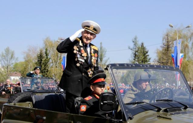 Омским ветеранам выплатят до 15 тысяч рублей ко Дню Победы