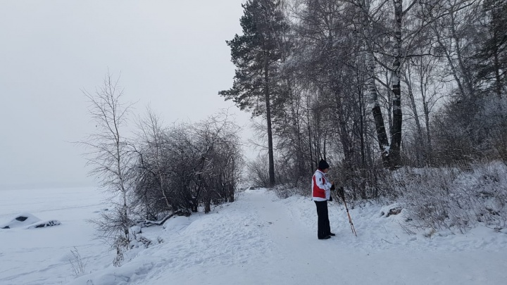 Базу отдыха «Карасики» оштрафовали за незаконную стройку и горы мусора в Шарташском лесопарке