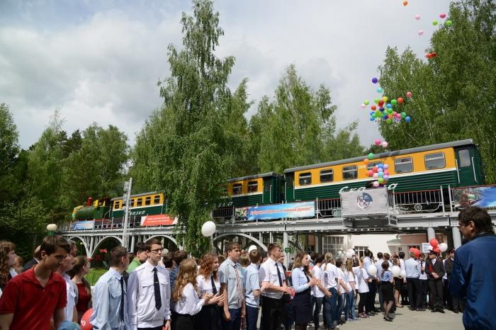 Детская железная дорога будет работать до конца лета