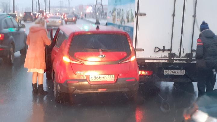 Из-за ДТП на Комсомольской площади образовалась огромная пробка