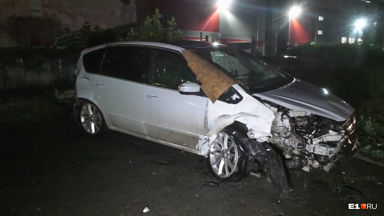 Ford тоже получил серьезные повреждения