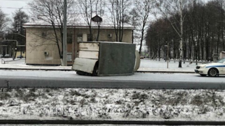 «Газель» отнесло ударом на пешехода: подробности утренней аварии у НПЗ