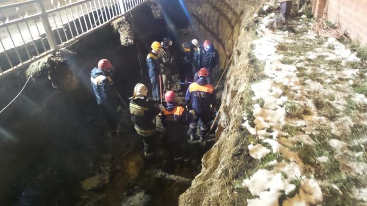 В Екатеринбурге при обрушении грунта погибли двое рабочих