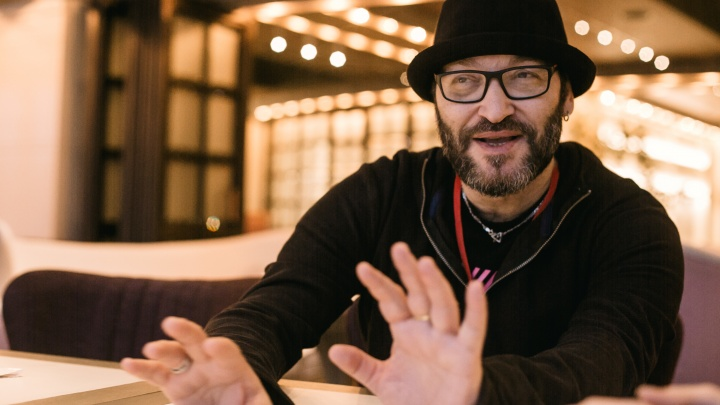 «Ни один человек не должен сидеть за свои мысли»: Миша Козырев — о музыке протеста и арестах рэперов