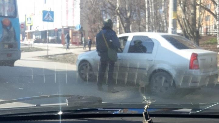 """«План """"Перехват"""" на белые машины»: в Щербинках работает полиция и ОМОН"""