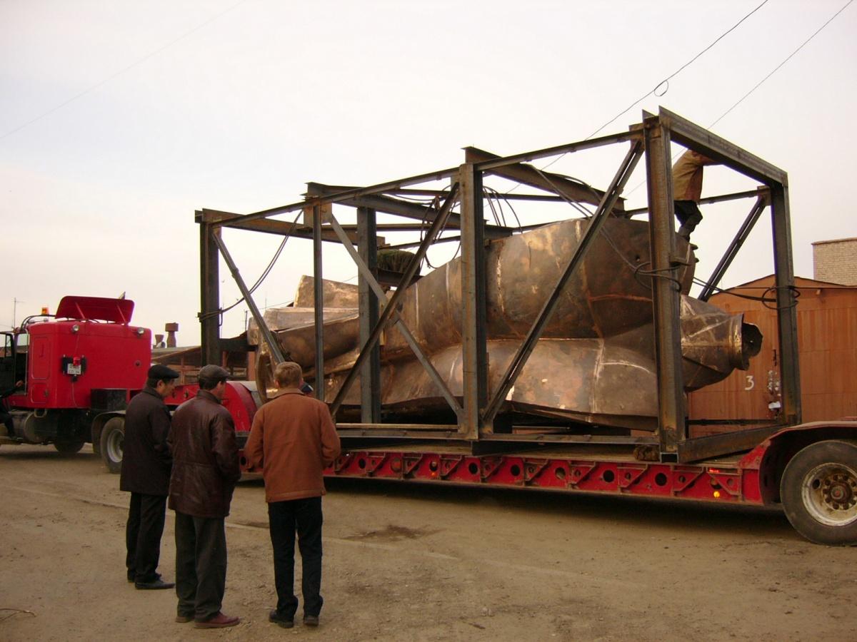 Вообще, этот транспорт использовался для перевозки мостовых балок