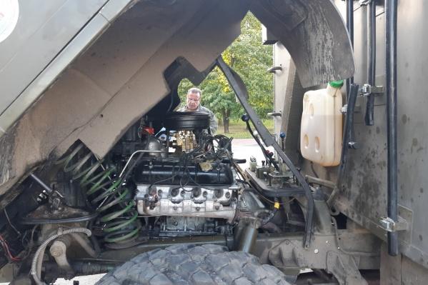 Старый грузовик немцы окрестили «Иваном»
