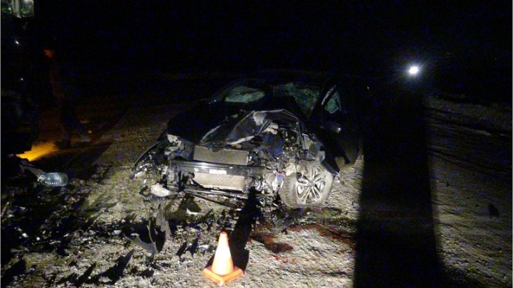 В Зауралье пьяный водитель врезался в большегруз