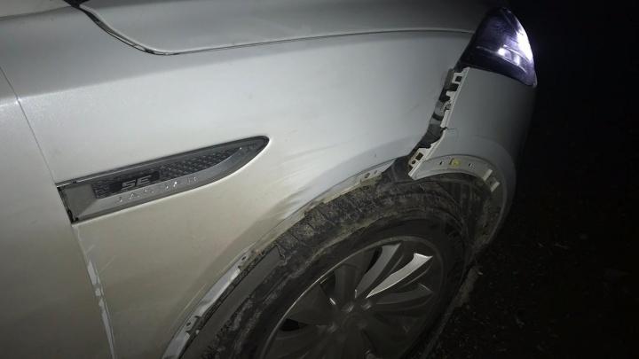 В Самарской области водитель «Ягуара» сбил гулявшего по трассе пенсионера