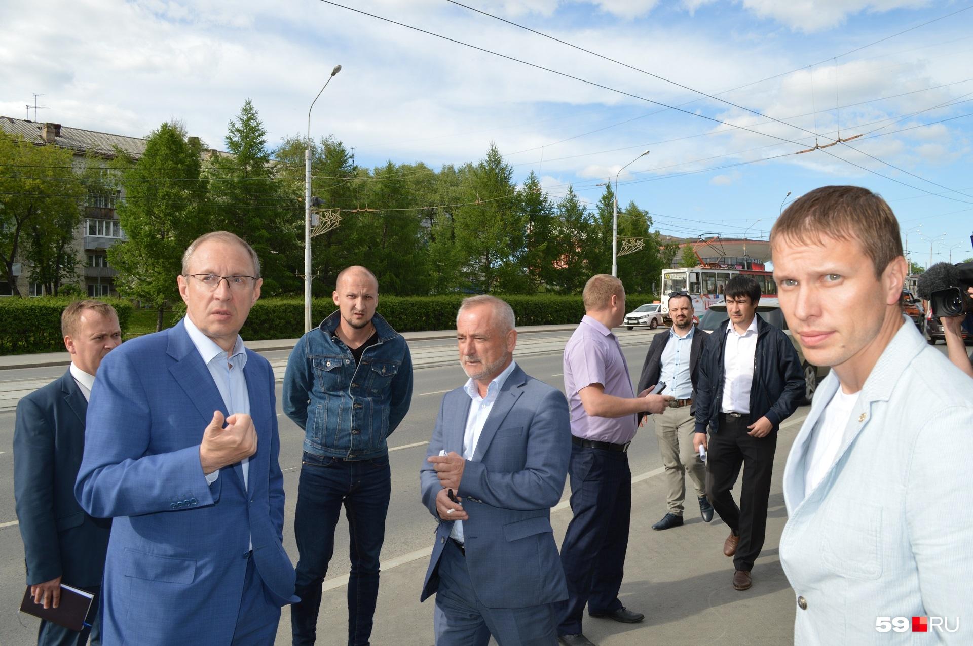 Дмитрий Самойлов удивлён, что третий год не могут решить вопрос с газоном на Северной дамбе