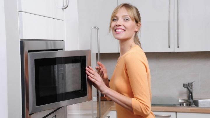 Холодильник в подарок получат екатеринбуржцы при покупке встраиваемой техники